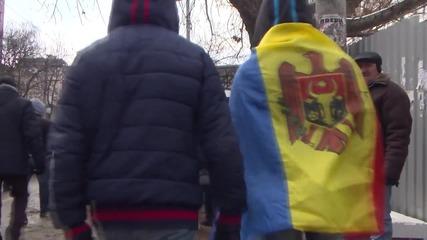 Moldova: Protesters march against Plahotniuc in Chisinau