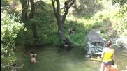 Луд скок във вода