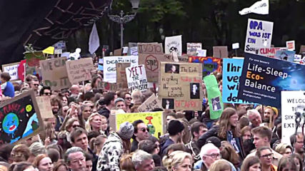 Germany: Crowds of environmentalists join climate strike in Berlin