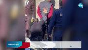 ЕКСКЛУЗИВНИ КАДРИ: Маскиран с бухалка потроши магазин