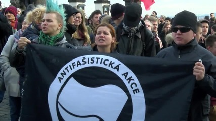 Czech Republic: Anti-migrant rally met with counter-protest in Prague