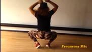 Здрави мацки практикуват Twerk Dance 2015