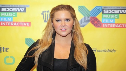"""Amy Schumer Tweets Then Deletes Photo of Her Entertainment Weekly Cover """"Without Airbrushing"""""""