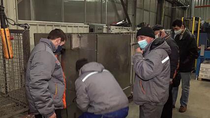 Бойко Борисов посети завод за бойлери във Варна