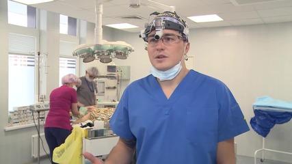 Russia: Plastic surgeon live streams breast augmentation using mobile app