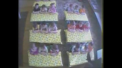 Скрита камера - Как се отнасят с децата в детска градина