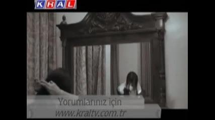 Kadim Sevda - Al Beni Benden [ Official Video ]