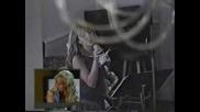 Малката Britney Spears пее