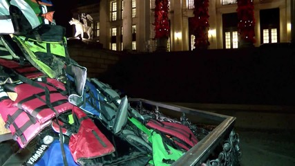 Germany: Ai Weiwei's life jacket piece remembers drowned refugees