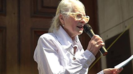 UK: Vivienne Westwood & protesters slam Tory position on climate change