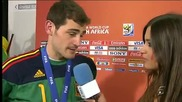 Iker Casillas kissing Sara Carbonero/ Икер Касияс целува Сара Карбонеро
