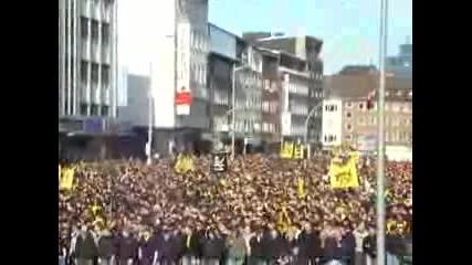 Derbymarsch Durch Dortmund.flv