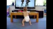 Бебе танцува