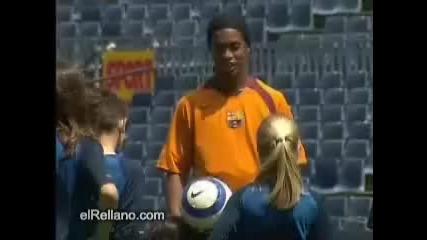 Роналдиньо И Малки Футболистчета