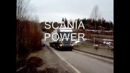 Камион на задни гуми!