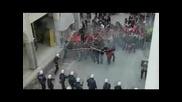 Гръцки Хулигани Вилнеят В Атина