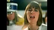 Fatal Bazooka Ft. Yelle Amp Christelle - Parle  ma main -по добро качество