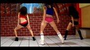 Готини момичета танцуват яко и клатят дупенца