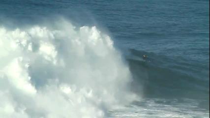 Сърфист срещу 30 метрова вълна