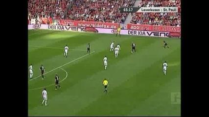 """Байер"" (Леверкузен) намали преднината на ""Борусия"" (Дортмунд) след 2:1 над ""Санкт Паули"""