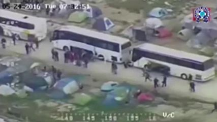 Greece: Aerial footage shows riot police evacuating Idomeni refugee camp