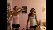 Момичета Танцуват Страхотно на Тhe bad Touch