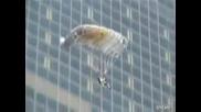 Такъв скок от зграда не сте виждали