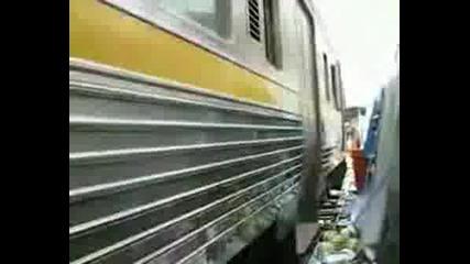 Vlak Minava Prez Pazar (mnogo smqh)