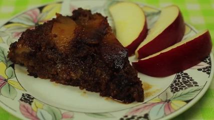 Обърнат сладкиш с ябълки