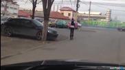 Жена се мъчи на токове