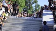 Skateboarding Supra team 9 stairs