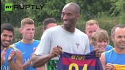 Kobe Bryant Presented with His Own FC Barcelona Jersey