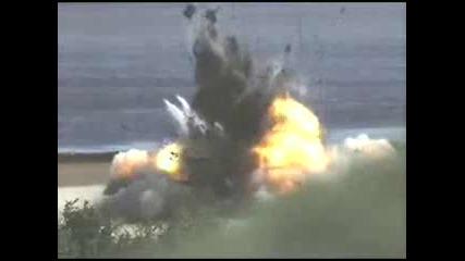 Удивителна експлозия на кола