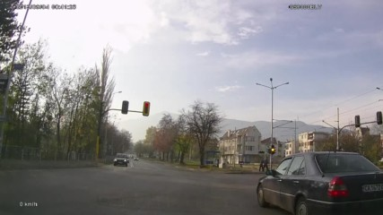 Минаване на червен светофар 44