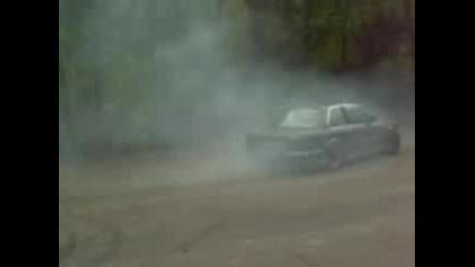 Данчо изнасилва гуми в Котел