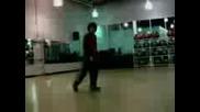 Яко Танцуващо Момче