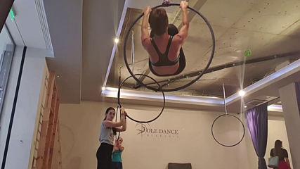 Тренировка по въздушна акробатика