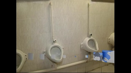 Превърнаха руска градска тоалетна в музей