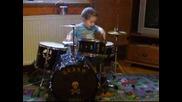Най - Малкия Барабаниста В Света