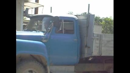 тъп камион с тъп звук