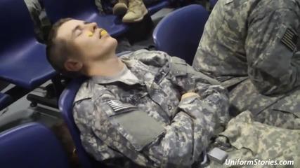 Шеги върху заспали военни