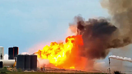 USA: SpaceX's Starship prototype explodes during test in Boca Chica