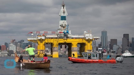 'Paddle in Seattle': Hundreds Take to the Water to Protest Shell Arctic Drilling Plan