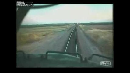 Неудачно! Два Влака Се Блъскат Централно !