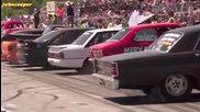 Световен рекорд - 69 коли правят бърнаут