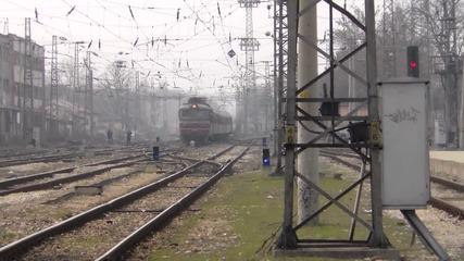 44 060.2 начело на влака за Варна..