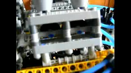 Двигател от Лего