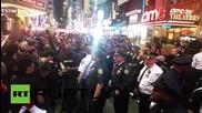 Най-малко 60 арестувани в Ню Йорк по време на демонстрация в подкрепа на Фреди Грей