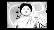 Brenda Lee Sings Sweet Nothins In 1960