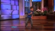 6 годишно момче танцува с Twich